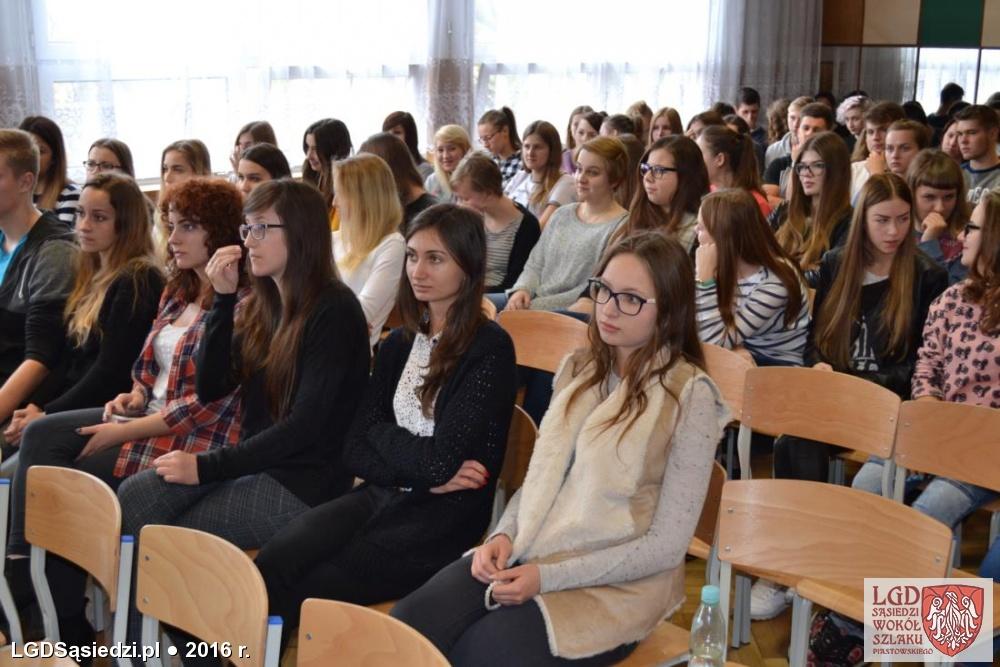 LGD Sąsiedzi - Spotkanie z młodzieżą w Zespole Szkół w Mogilnie